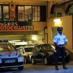Les motards de Paris -- Compagnie Motocycliste de la Préfecture de Police de Paris rue Chanoinesse